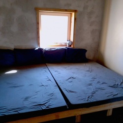 Bedroom without Bunkbeds